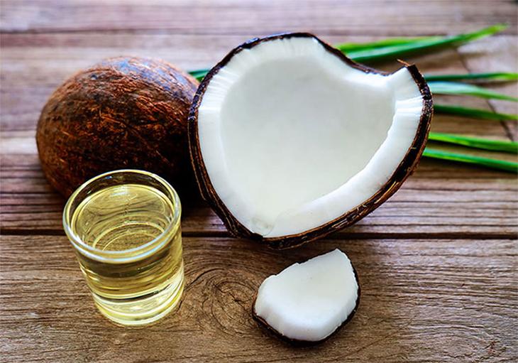 chữa trào ngược dạ dày ở trẻ với dầu dừa